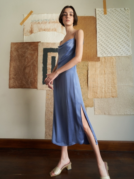 A HIDDEN BEE  Midi Cowl Neck Dress - Tozlu Mavi