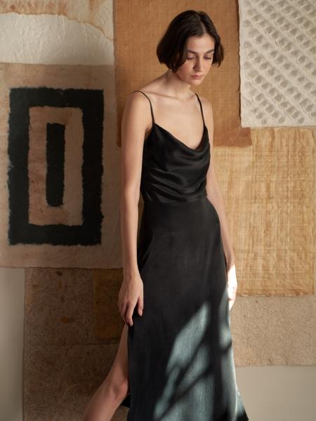 A HIDDEN BEE  Midi Cowl Neck Dress - Siyah