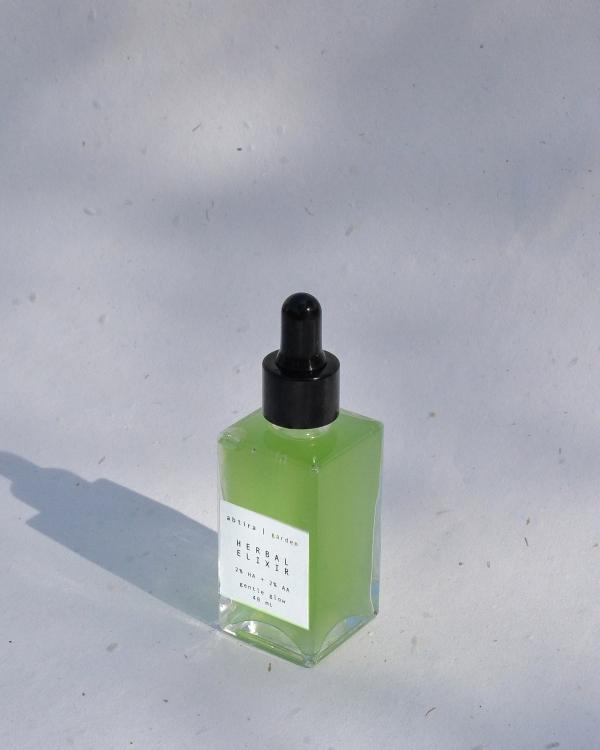 ABTIRA GARDEN Herbal Elixir   nazik aydınlatıcı + keke karşıtı iksir   %2 hiyalüronik asit + %2 alfa-arbutin bombası