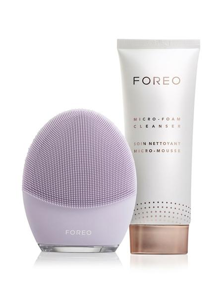 FOREO  LUNA 3 Hassas Ciltler için Yüz Temizleme ve Sıkılaştırıcı Masaj Cihazı (FOREO Micro-Foam Cleanser Yüz Temizleme Köpüğü, 100ml İle Birlikte)